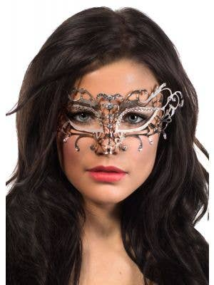 Antique Deluxe Metal Masquerade Mask - Silver and White