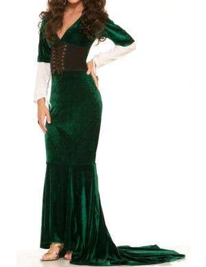 Revealing Renaissance Women's Costume