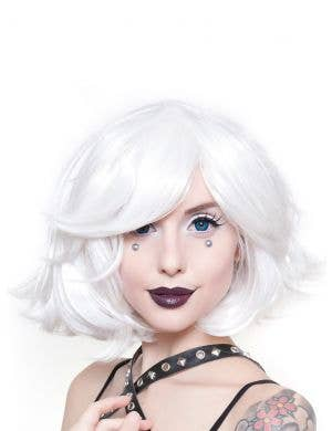 Deluxe Women's White Bob Fashion Wig with Side Fringe